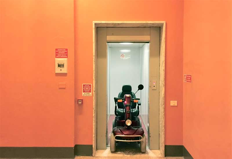 Ascensori accessibili in carrozzina, scooter e lettiga